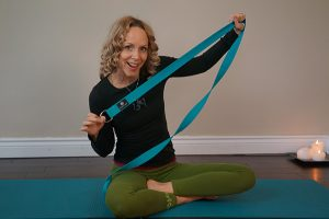 Post image for Yoga with Melissa 223: How to Use a Yoga Strap, 20 ways in 1 hour, Intermediate Yoga Class, Making a Connection
