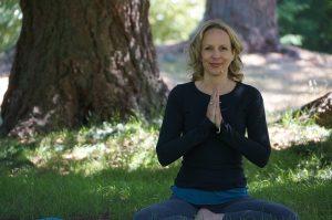 Post image for Manifest with Chakra Yoga, 40 mins, Guru Mantra, Yoga Stories 2, Yoga with Melissa 234