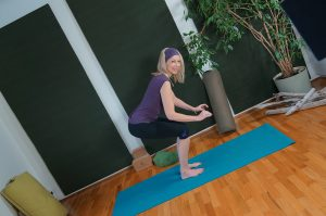 Post image for Yoga with Dr. Melissa West 257 | Yoga for Energy | How to Boost Energy | 45 min Intermediate Hatha Yoga |
