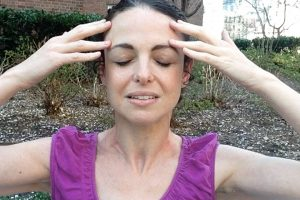 Post image for Melt away anxiety with this relaxing self massage and meditation