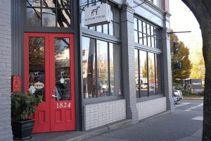 Post image for Best Consignment Shops in Victoria BC, Plus Tips for Consignment Shopping