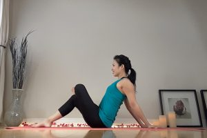 Post image for Favorite Stretches to Relieve Tight Hips with Su