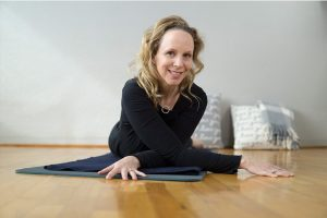Post image for Yin Yoga for Tense and Stiff Shoulder Pain 60 min | Yoga with Dr. Melissa West 422