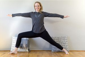 Post image for Yin Yang Yoga Full Class: Hips and Butt | 60 min | Yoga with Dr. Melissa West 431