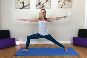 Post image for 10 Minute Vinyasa Yoga – Mandala Flow with Special Guest Mary O'Meara