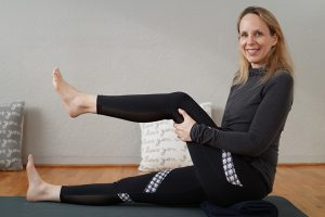 Post image for Myofascial Release Yoga for Your Knee Joints