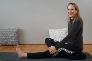 Post image for Myofascial Release Yoga for Your Toes, Feet and Ankle Joints