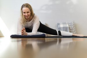Post image for Yin Yoga for Liver and Gallbladder Meridians | Hips, Side Body, Inner Thighs 65 mins | Yoga with Melissa 476